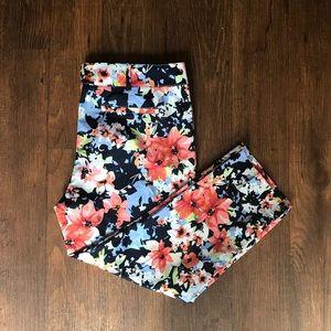 New York & Company Floral Capris